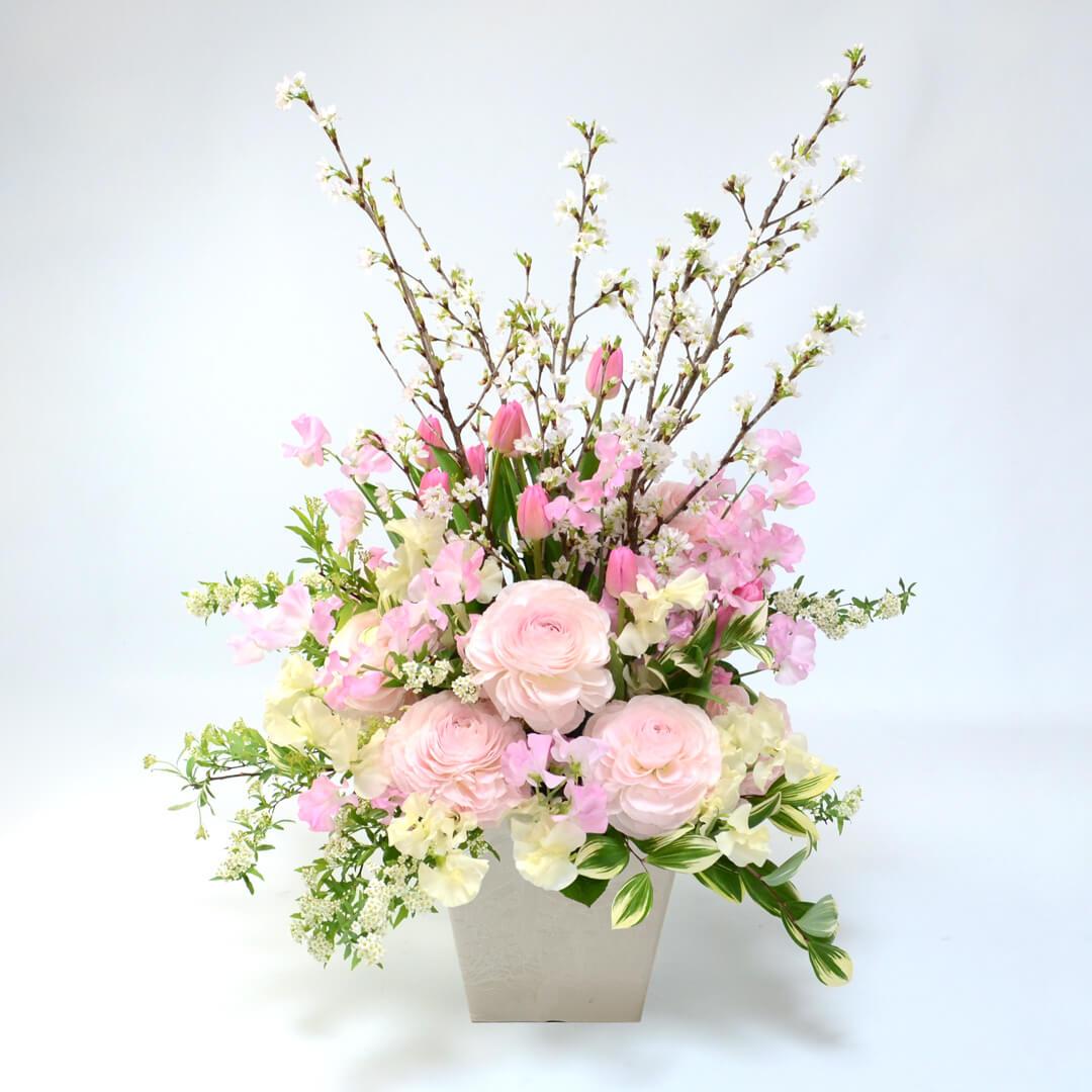 桜の床置きアレンジメント<スプリングブレス>