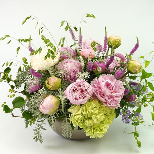 芍薬とハイドランジアのアレンジメント<アンジェリーク>