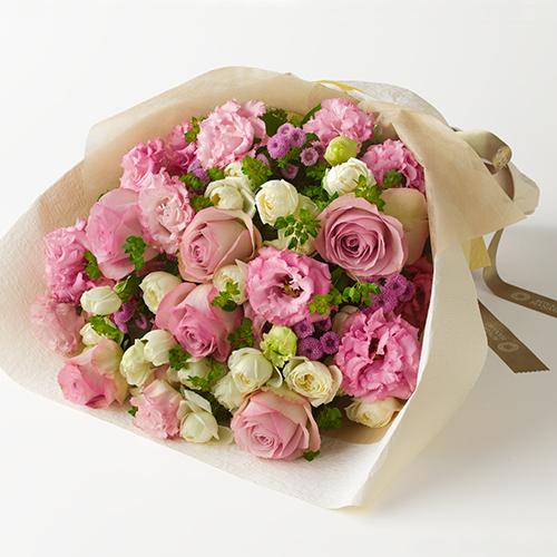バラやトルコキキョウの花束<アンサンブル>