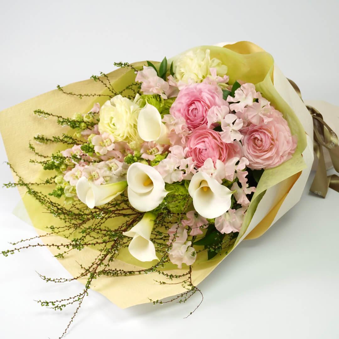 カラーとラナンキュラスの花束<コンチェルト>