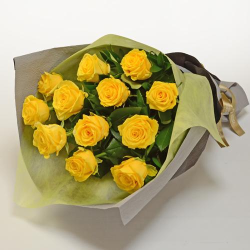 黄色いバラの花束の画像