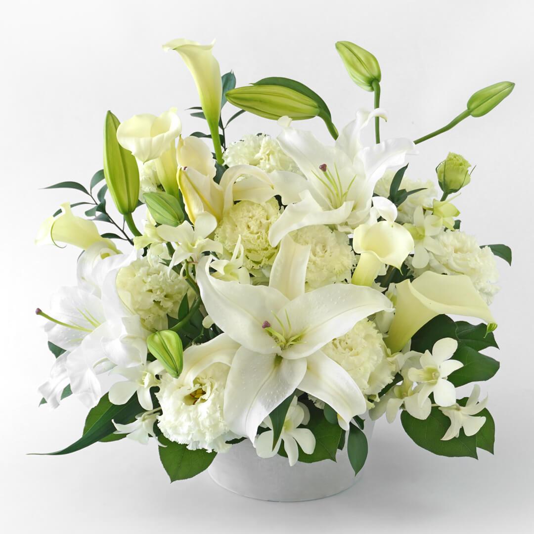 ご供花 ユリとカラーの純白のアレンジメント